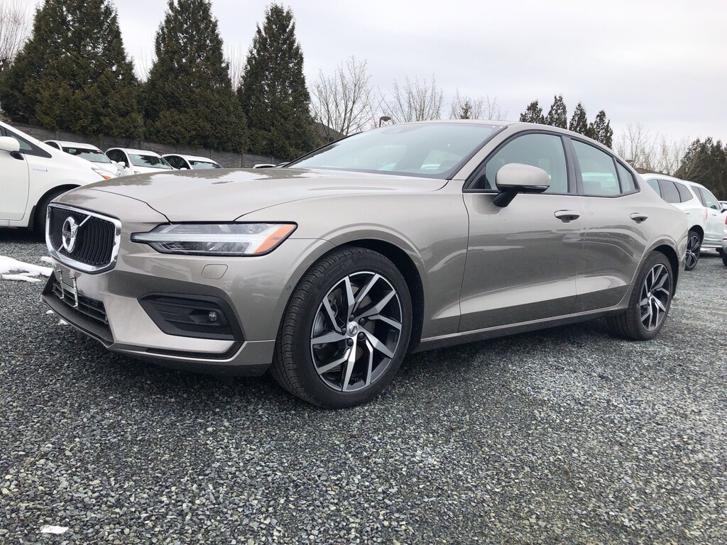 New 2019 Volvo S60 T6 AWD Momentum DEMO SALE ON NOW!