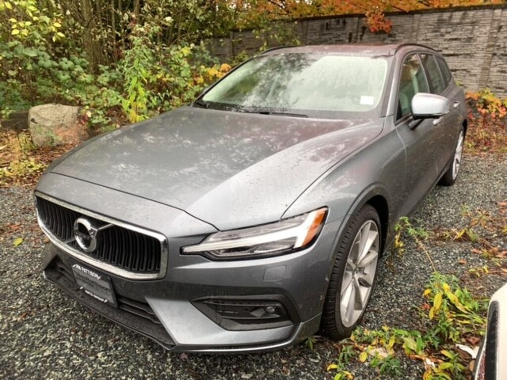 Certified Pre-Owned 2019 Volvo V60 T6 AWD Momentum DEMO SALE ON NOW!