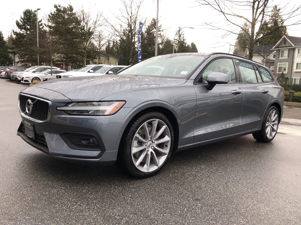 New 2019 Volvo V60 T6 AWD Momentum,Momentum Plus trim