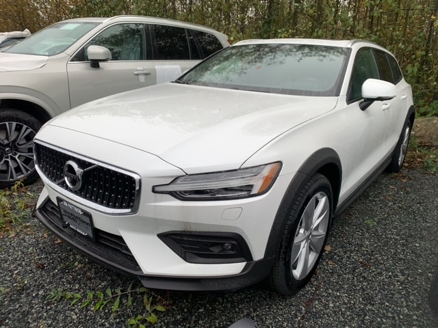 Pre-Owned 2019 Volvo V60 Cross Country T5 Momentum