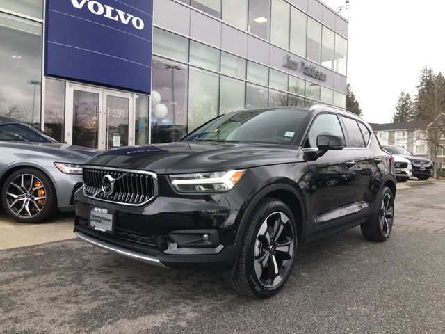 New 2020 Volvo XC40 T5 AWD Inscription