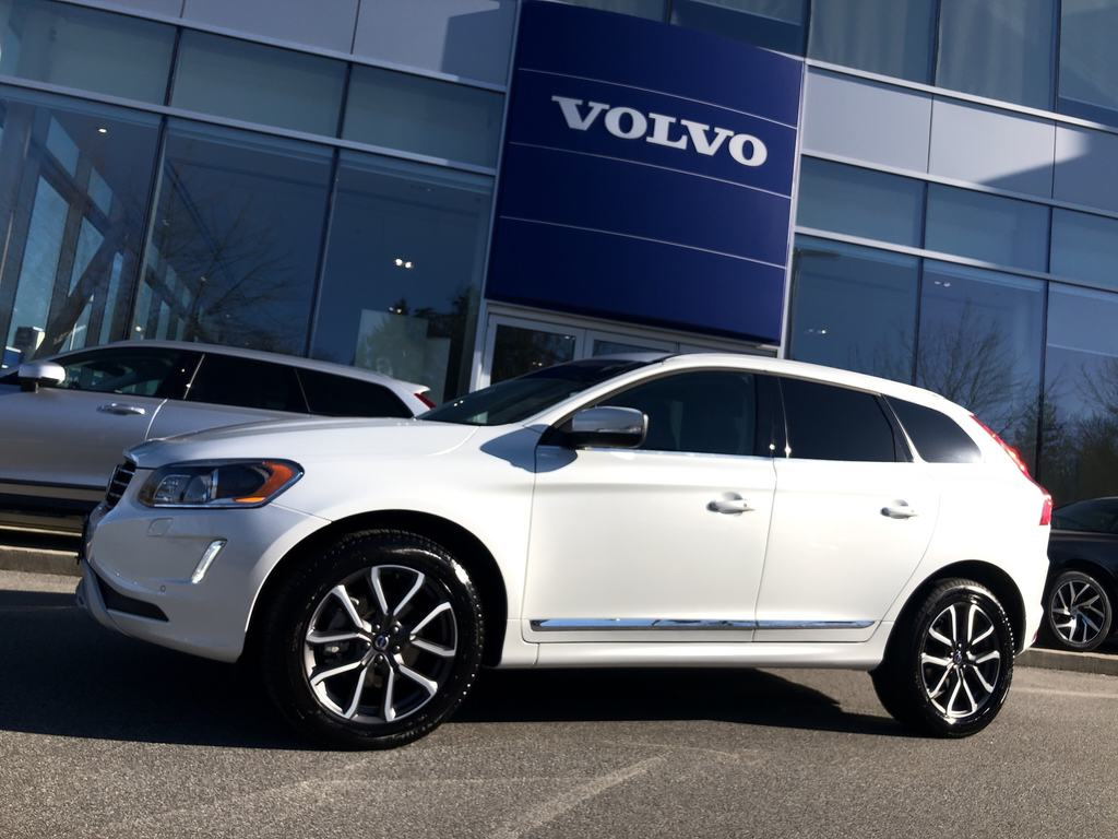 Pre-Owned 2017 Volvo XC60 T5 AWD Special Edition Premier