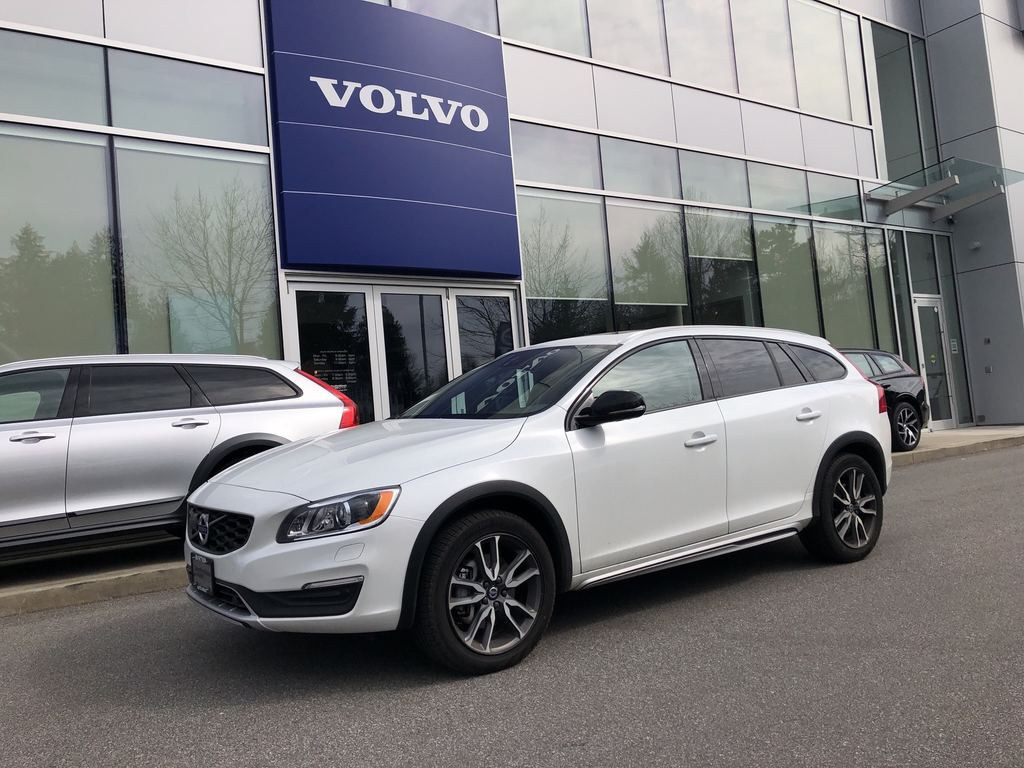 Pre-Owned 2018 Volvo V60 T5 AWD Cross Country T5 Premier