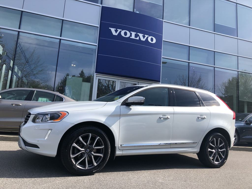 Pre-Owned 2016 Volvo XC60 T5 AWD Special Edition Premier w/ Navi