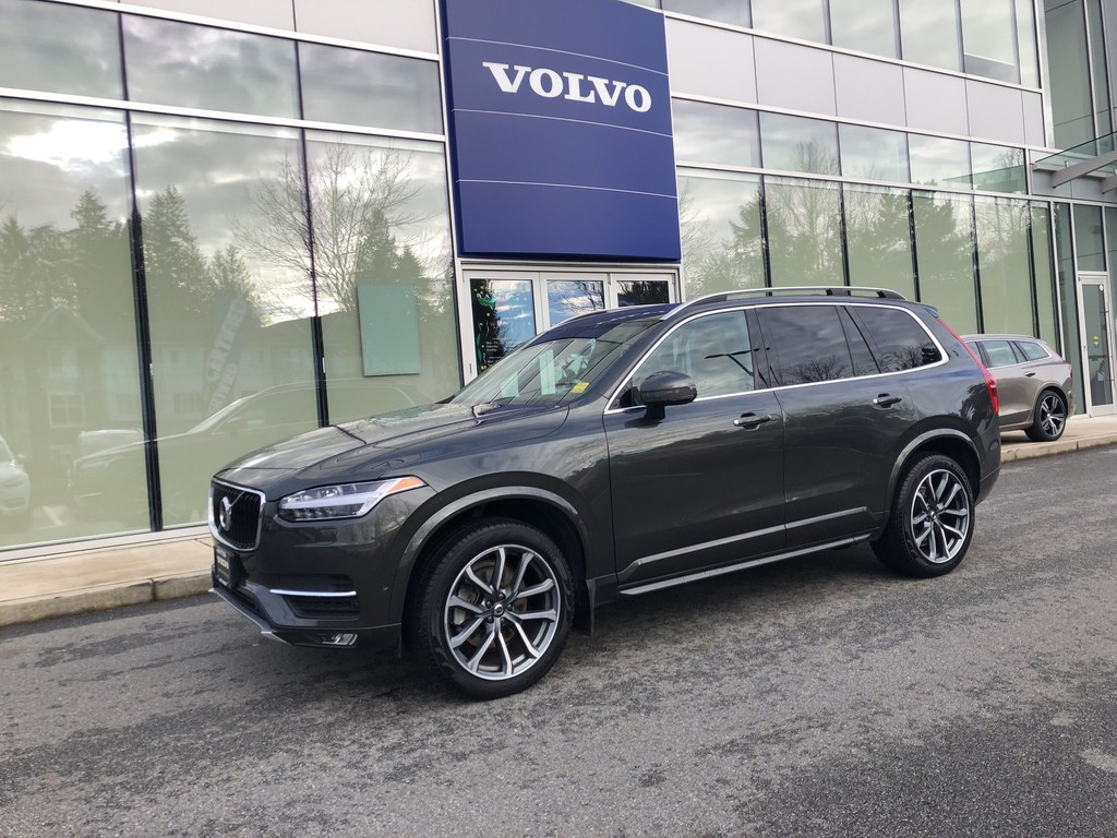 Pre-Owned 2018 Volvo XC90 T6 AWD Momentum,MP