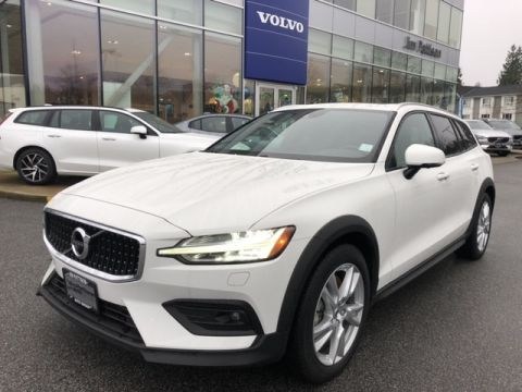 Pre-Owned 2019 Volvo V60 Cross Country T5 Momentum Demo Sale Special!