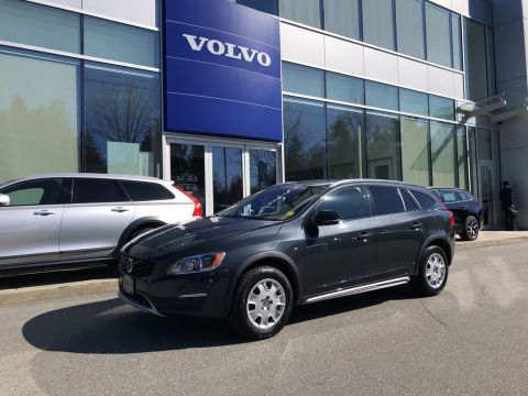 Pre-Owned 2018 Volvo V60 Cross Country T5 AWD Premier
