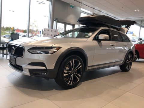 New 2019 Volvo V90 Cross Country T6 AWD Premium Package